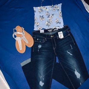 Low-Rise Boyfriend Jeans ⭐️